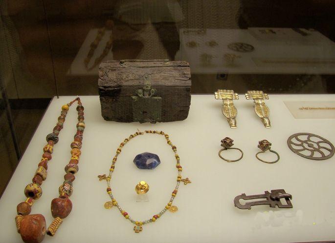 Late Roman Jewelry andJewelry Box