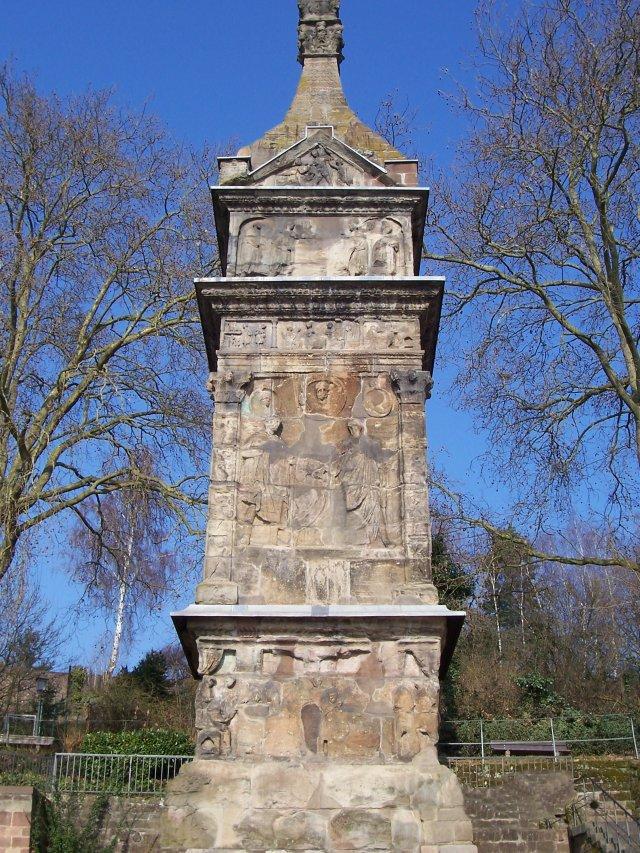 Igel Column Detail